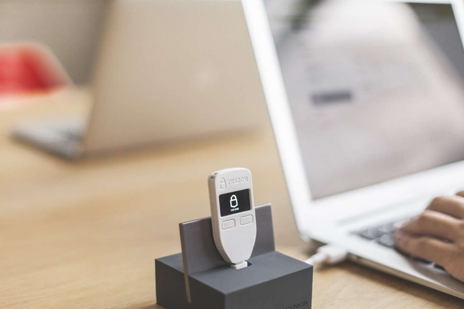 TREZOR review how to use it